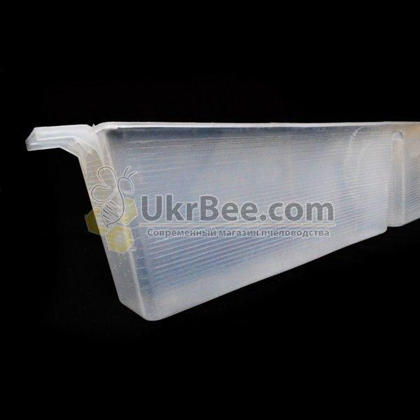 Пластиковая внутриульевая кормушка (3л)