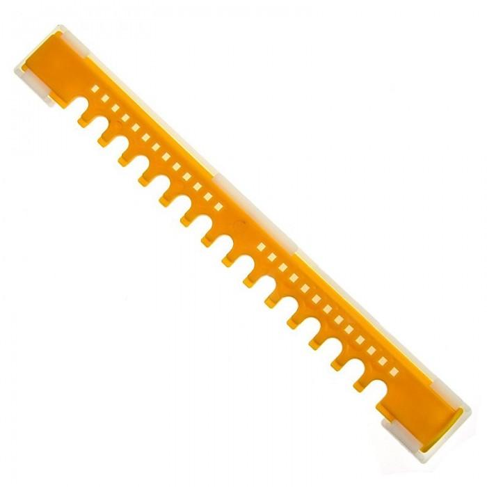 Нижній льотковий загороджувач з отворами (2-х елементний, пластик), мал. 1