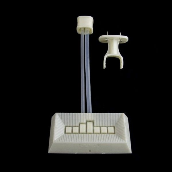 Вакуумна годівниця/поїлка для бджіл зовнішня, мал. 1